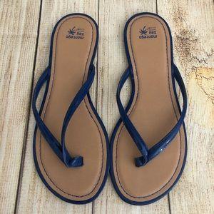 3/$30🦋 Montego Bay Club Blue Patent Flip Flops